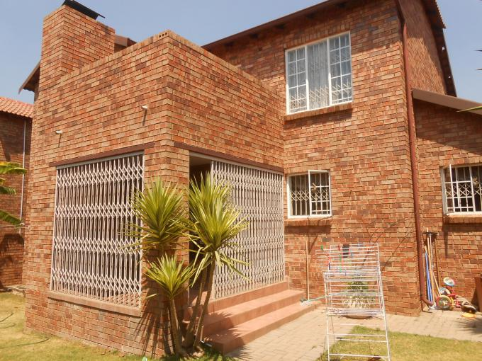 3 Bedroom Duplex for Sale For Sale in Randburg - Private Sale - MR167693