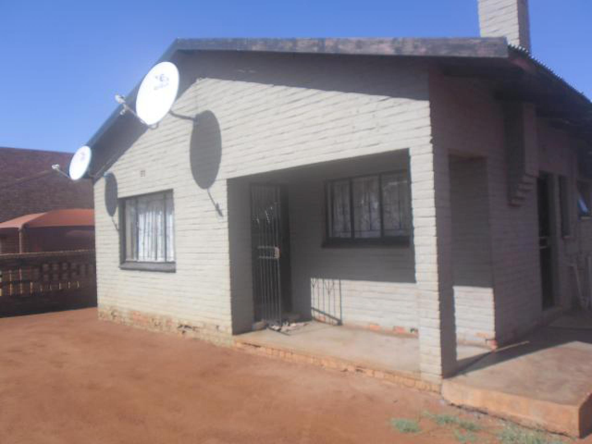Front View of property in Lebowakgomo