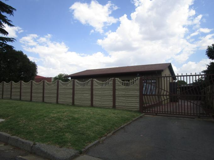 Standard Bank EasySell 3 Bedroom House for Sale For Sale in Estera - MR167927