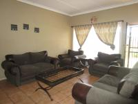 Lounges - 20 square meters of property in Estera
