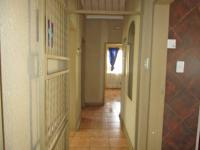 Spaces - 7 square meters of property in Estera