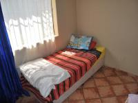 Bed Room 2 - 15 square meters of property in Estera