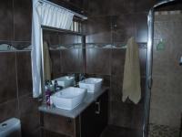 Main Bathroom of property in Estera