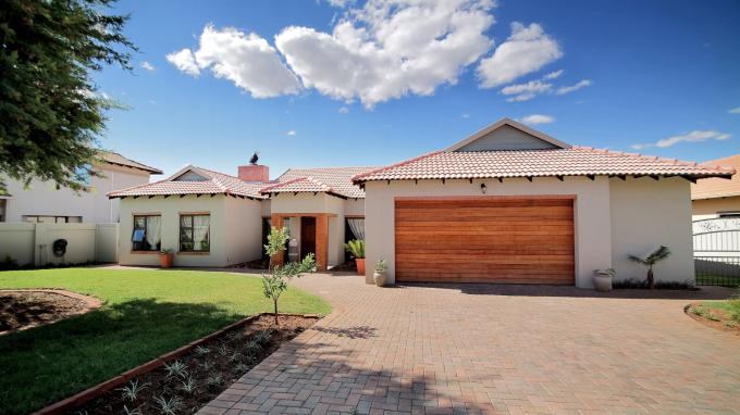 4 Bedroom House for Sale For Sale in Hartbeespoort - Home Sell - MR168067