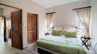 Bed Room 1 - 18 square meters of property in Hartbeespoort