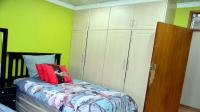 Bed Room 1 - 15 square meters of property in Pinetown