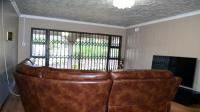 Lounges - 46 square meters of property in Pinetown