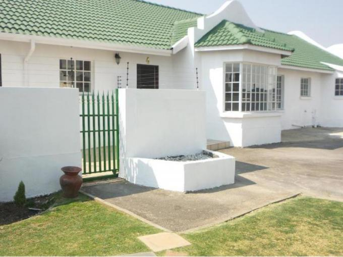 3 Bedroom House for Sale For Sale in Castleview - MR169329