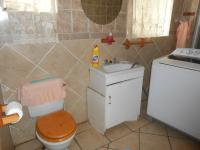 Main Bathroom - 8 square meters of property in Brakpan