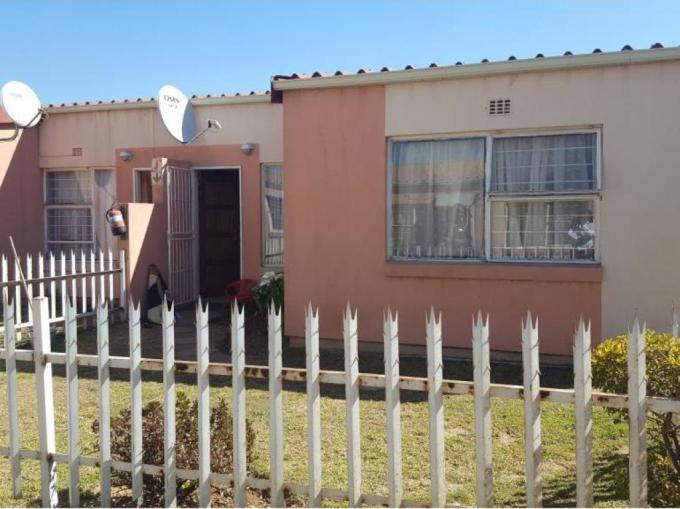 3 Bedroom Apartment for Sale For Sale in Roodepoort - MR170299