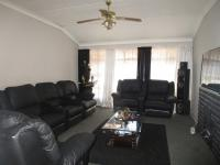 Lounges - 22 square meters of property in Vanderbijlpark