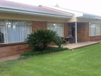 3 Bedroom 2 Bathroom House for Sale for sale in Rothdene