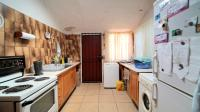 Kitchen - 17 square meters of property in Weavind Park
