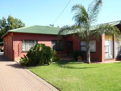 4 Bedroom House For Sale in Parktown Estate - Home Sell - MR17229