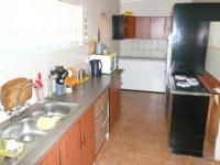 Kitchen - 16 square meters of property in Parktown Estate