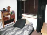 Bed Room 1 - 13 square meters of property in Parktown Estate