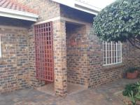 2 Bedroom 1 Bathroom House for Sale for sale in Arcon Park