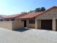 2 Bedroom 2 Bathroom Flat/Apartment for Sale for sale in Three Rivers