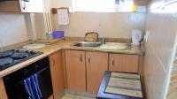Kitchen - 8 square meters of property in Wilson Wharf (Esplanade)