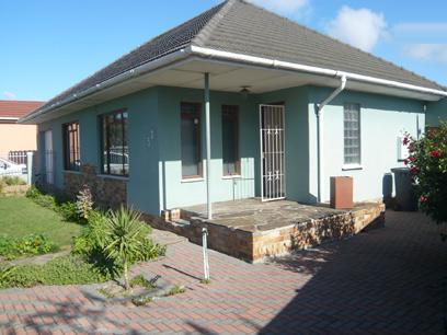4 Bedroom House for Sale For Sale in Parow Central - Home Sell - MR17245