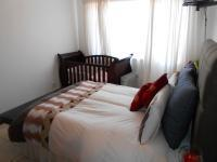 Main Bedroom - 13 square meters of property in Mountain View