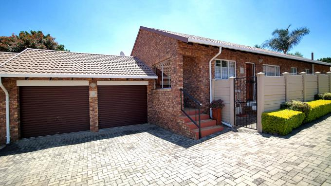 3 Bedroom Sectional Title for Sale For Sale in Erasmuskloof - Home Sell - MR172587