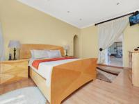 Main Bedroom - 28 square meters of property in Sandown