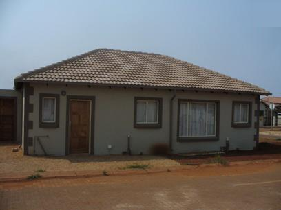 3 Bedroom Simplex for Sale For Sale in The Orchards - Home Sell - MR17289