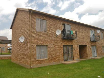 2 Bedroom Simplex for Sale For Sale in Weltevreden Park - Private Sale - MR17312