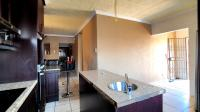 Kitchen - 17 square meters of property in The Orchards