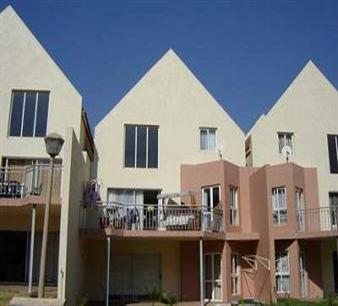 3 Bedroom Apartment To Rent in Midrand - Private Rental - MR17355