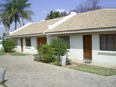 2 Bedroom Simplex For Sale in Bela-Bela (Warmbad) - Home Sell - MR17417