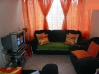 Lounges - 12 square meters of property in Sunnyside