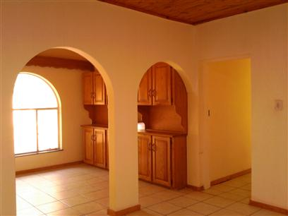 3 Bedroom House to Rent in Magalieskruin - Property to rent - MR17506