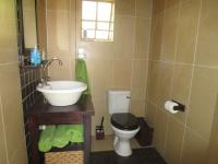 Guest Toilet - 4 square meters of property in Meyersdal