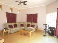Lounges - 32 square meters of property in Meyersdal