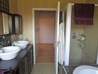Main Bathroom - 9 square meters of property in Meyersdal