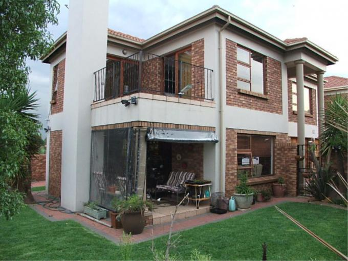 3 Bedroom House for Sale For Sale in Van Riebeeckpark - MR177616