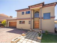 3 Bedroom 2 Bathroom Cluster for Sale for sale in Van Riebeeckpark