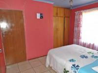 Bed Room 2 of property in Bloemfontein