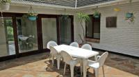 Patio - 67 square meters of property in Milnerton