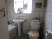 Bathroom 1 - 5 square meters of property in Burgershoop