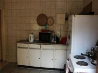 Kitchen - 10 square meters of property in Burgershoop