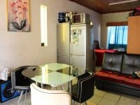 Lounges - 20 square meters of property in Burgershoop