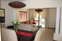 Dining Room - 12 square meters of property in Douglasdale