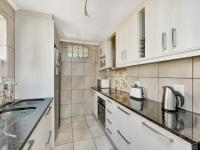 Kitchen - 10 square meters of property in Craighall Park