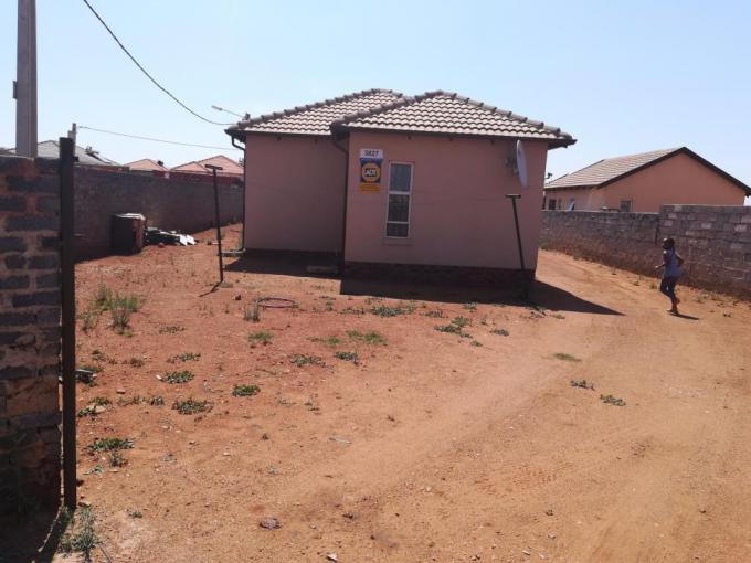 3 Bedroom House for Sale For Sale in Lenasia - MR180441