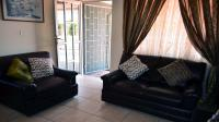 Lounges - 13 square meters of property in Tongaat