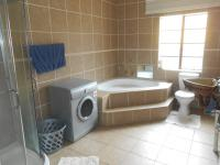 Bathroom 1 - 11 square meters of property in Comet