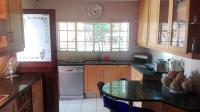 Kitchen - 17 square meters of property in Kloofendal